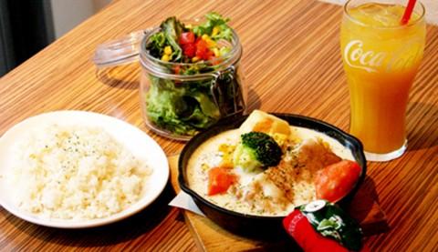サムネイル 【渋谷】ロサンゼルスのカフェをイメージした「LIL'RIRE CAFE」