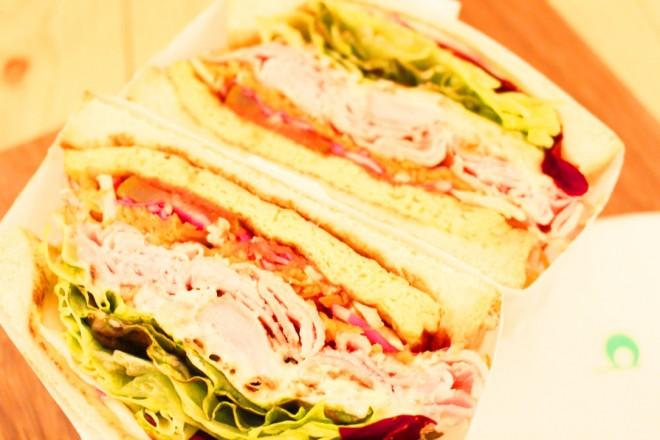 サムネイル 【北青山】パン好き必食!「伝説のサンドイッチ」が食べられるトーストサンド専門店