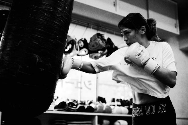サムネイル 格闘家・RENA 休養からRIZIN参戦へ「まだ選手としてやり切っていない」
