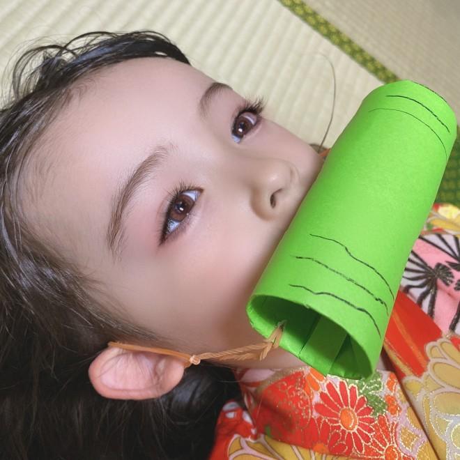 サムネイル 【天使キッズ】『鬼滅の刃』に夢中な女の子のコスプレに反響「今まで見た禰豆子コスでまちがいなく一番可愛い」「橋本環奈にも似てる」