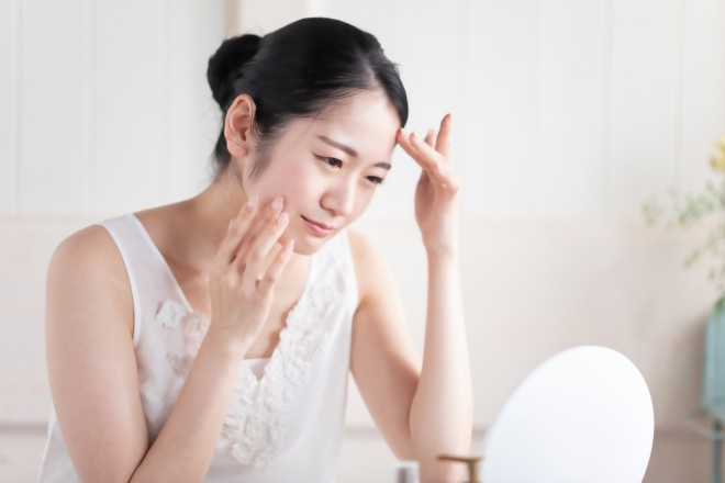 サムネイル 化粧水や美容液は美肌のマストアイテムではない 「スキンケアを見直して」医師がすすめる理由